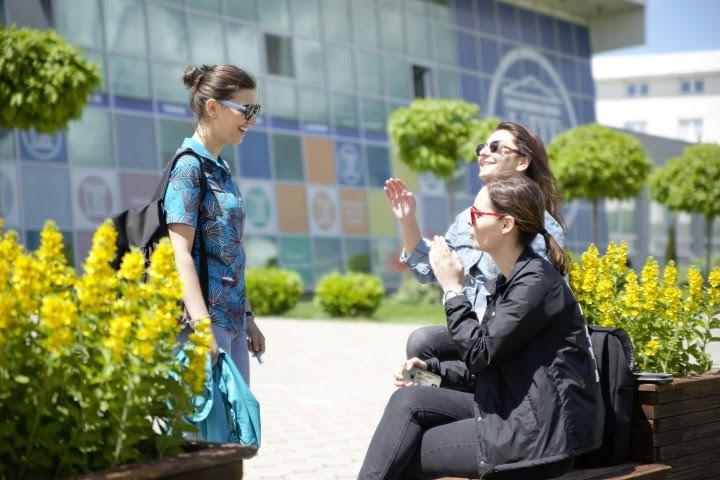 Studentët e UBT-së, përfitues të bursave të programit Erasmus+