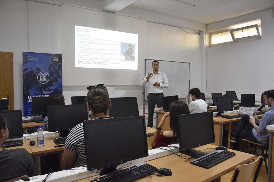 Në akademinë e Sistemeve të Informacionit ligjërohet për menaxhimin dhe sigurinë e informacionit