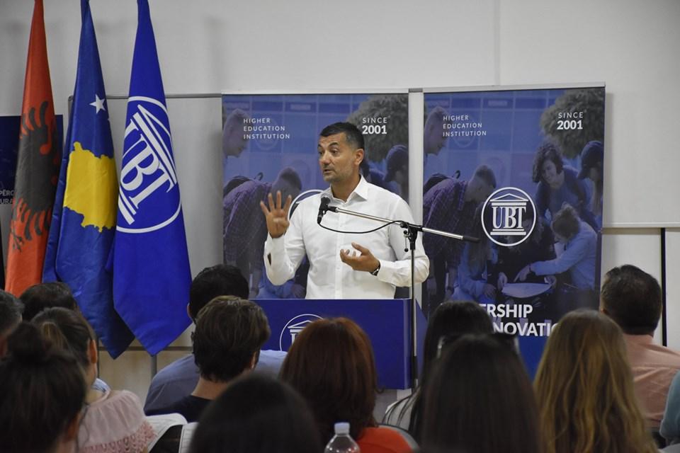 Me ligjërata tematike dhe diskutime zhvilloi punimet Akademia Ndërkombëtare Verore në UBT (Foto)