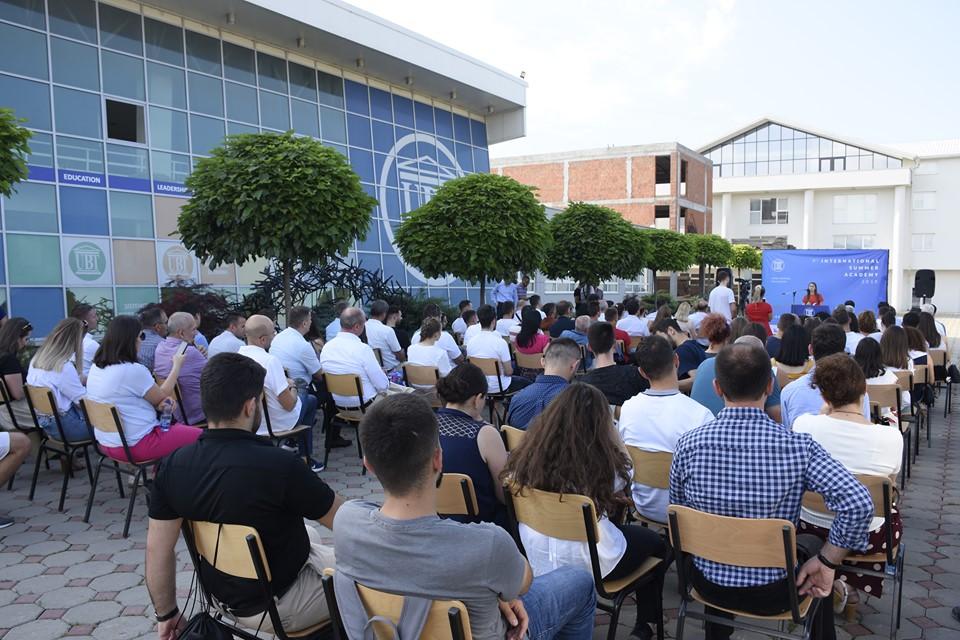 Ka filluar zyrtarisht aktivitetin Akademia Ndërkombëtare Verore e UBT-së (Foto&Video)