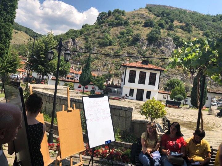 Akademia e Gjuhëve të Huaja zhvillon aktivitetin në qytetin e Prizrenit