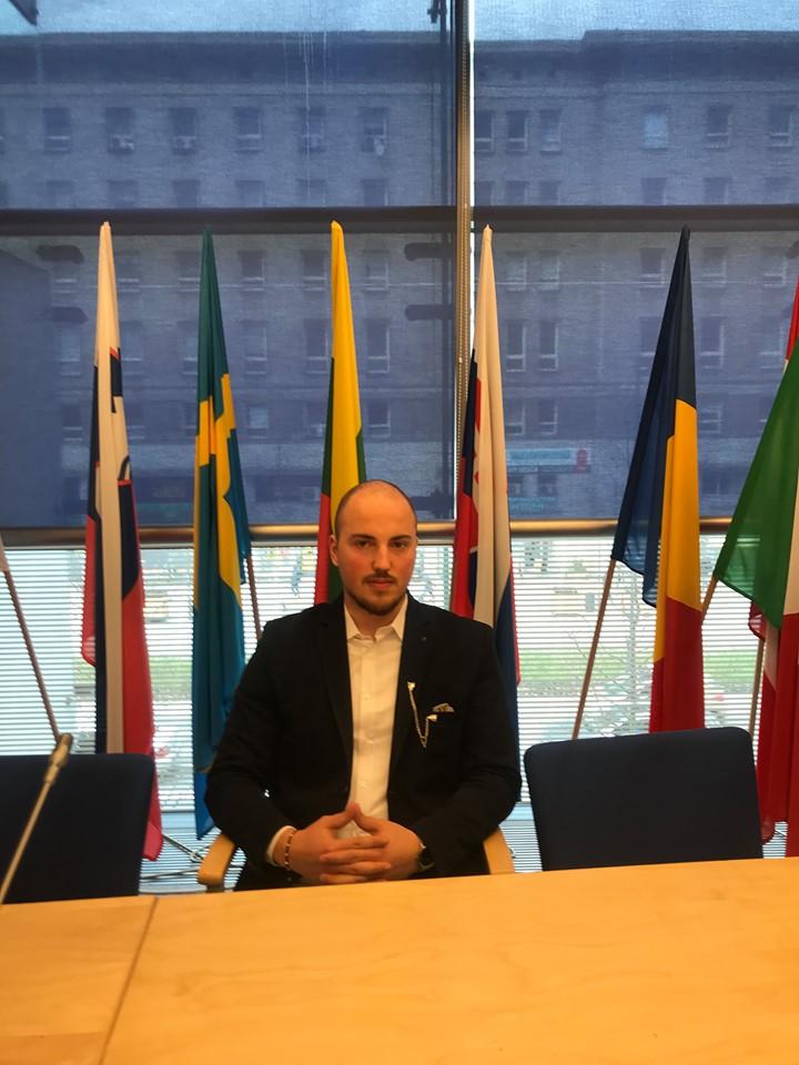 Ish-studenti Hadis Krasniqi po vijon studimet në Poloni e Holandë