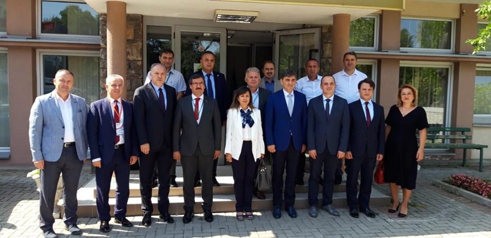 """UBT nënshkruan marrëveshje bashkëpunimi me Universitetin """"Isparta University of Applied Sciences"""" në Turqi"""