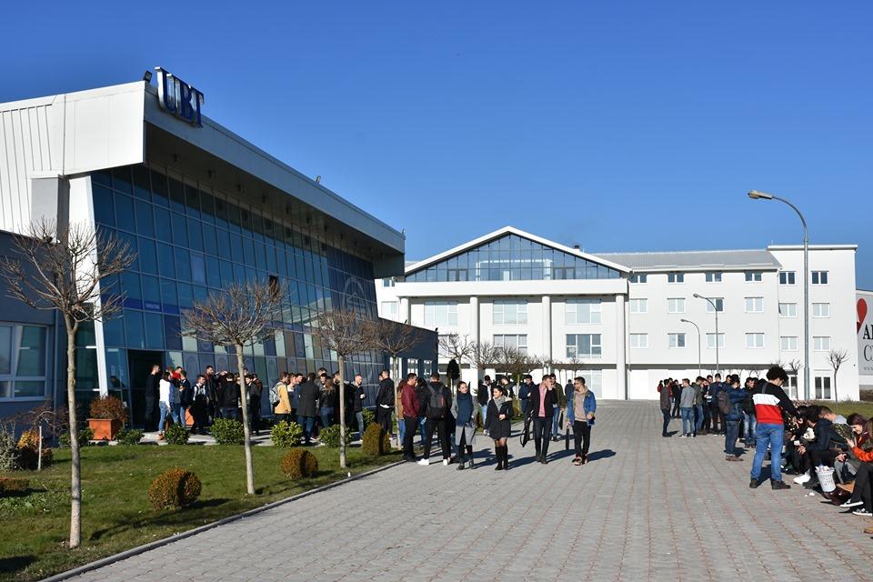Pse UBT mbetet institucioni më i kërkuar i arsimit të lartë privat në Kosovë e në rajon?