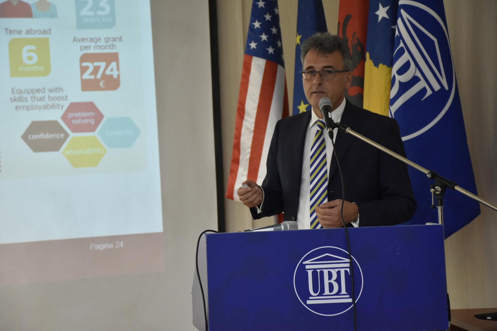 Profesori i njohur italian, dr. Luciano Saso vizitoi UBT-në dhe u shpreh i impresionuar nga të arriturat e institucionit
