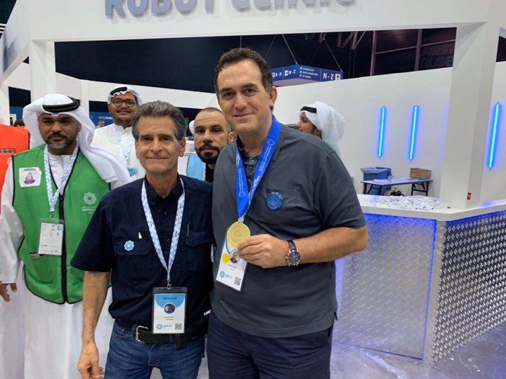 UBT vlerësohet nga FIRST Global me medalje të artë për kontributin e dhënë për garën botërore të robotikës, FIRST Global Challange
