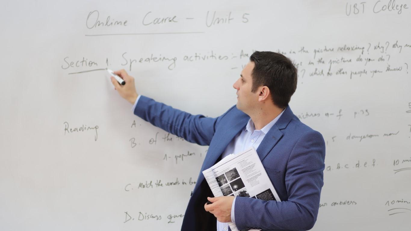 Instituti i Gjuhëve të Huaja në UBT, mban trajnimet dhe kurset online