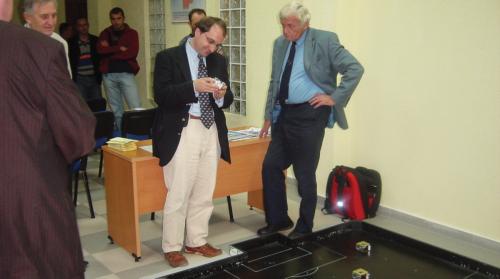 Perfaqesues te projektit Tempus nga Komisioni Evropian vizitojne laboratorine e mekatronikes dhe robotikes ne UBT
