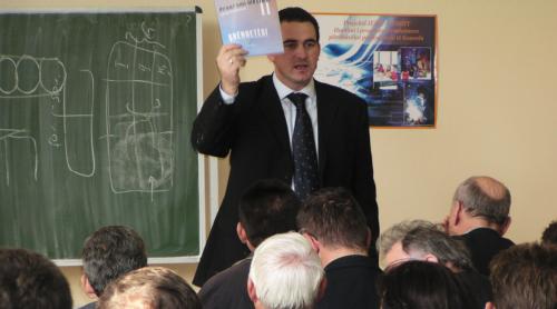 Rektori Edmond Hajrizi shpalos programet e dizajnuara nga IEME - UBT