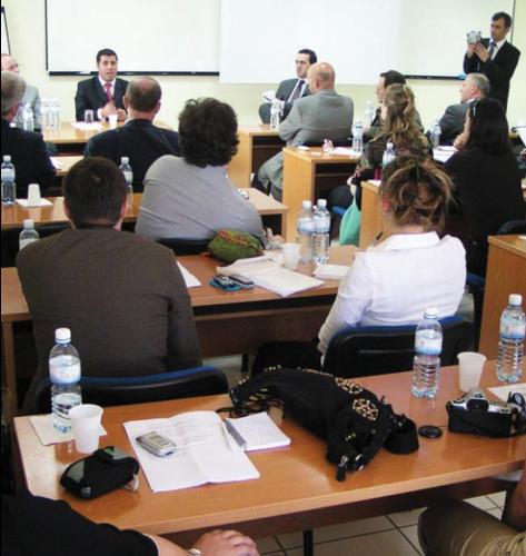 Zv kryeministri Lutfi Haziri flet para anetareve te Akademise diplomatike te Vjenes, ne UBT